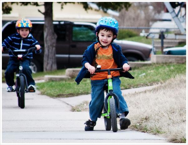 kidsbikes2_041509