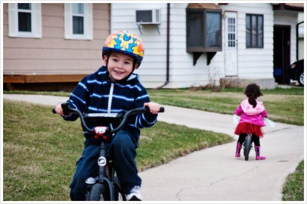 kidsbikes3_041509